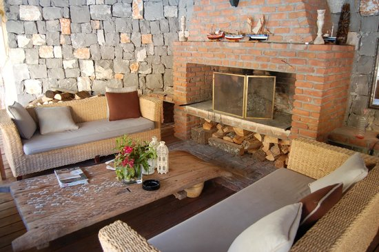 Han Boutique Hotel: sitting corner with open fire