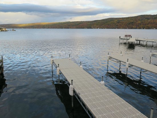 Keuka Lakeside Inn: Beautiful view from the inn's docks