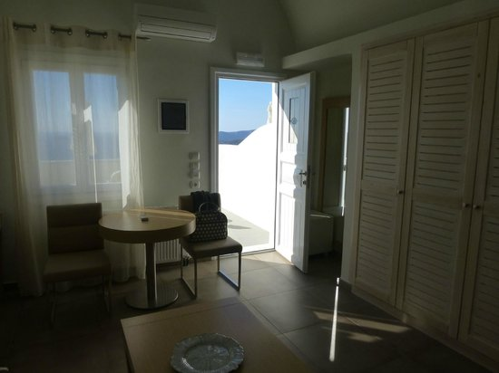 exec room Petit Palace Suites hotel Santorini