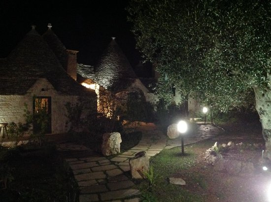 Trulli Paparale: View by night