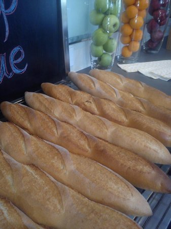 Ozone: French Bread....sorry Baguettes ...freshly baked