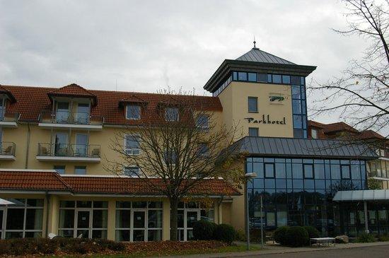 Parkhotel Weiskirchen : Das Hotel im Herbst