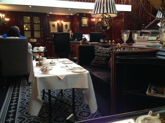 Hotel 41: Lounge - desayuno