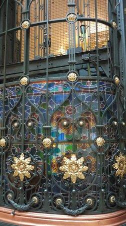 Gran Hotel Ciudad de Mexico: ELEVADORES CON VITRALES