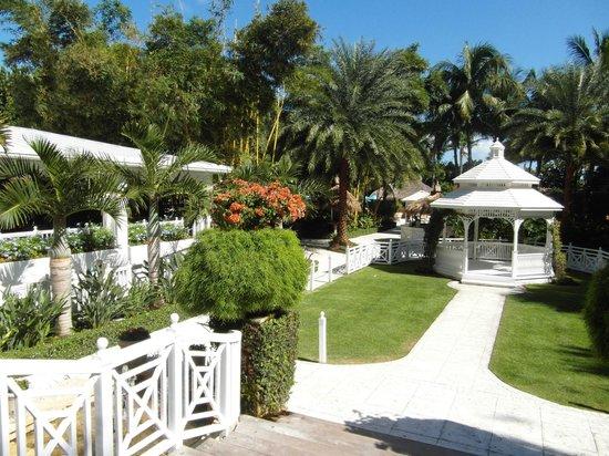 The Palms Hotel & Spa: Pour aller à la piscine