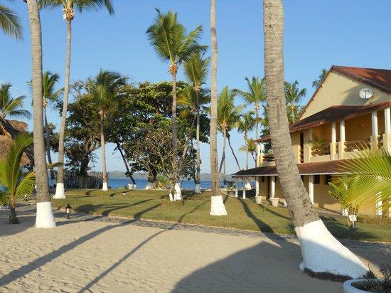 Andilana Beach Resort: parte del parco vicino alla spiaggia