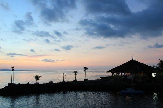 Tasik Ria Resort Manado: Jetty Bar, Tasik Ria