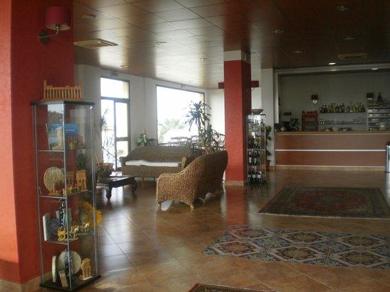 Antica Perla Residence Hotel: Lobie del hotel