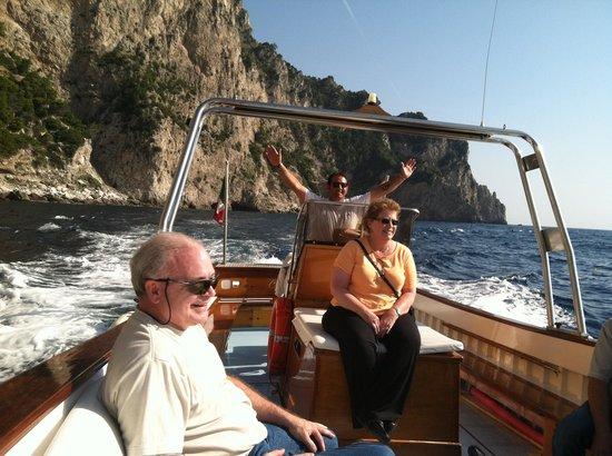 Capri Whales di Wendy: Enjoying the ride!!