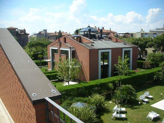 Le Ville del Lido Suite Residence: vista altra villa