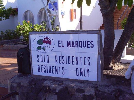 Ona El Marques: Arrival