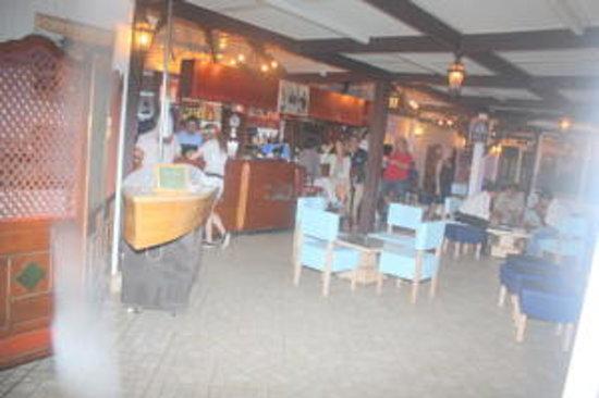 La Mer A Dar El Bhar : restaurant