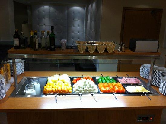 Hotel Klettur: Breakfast