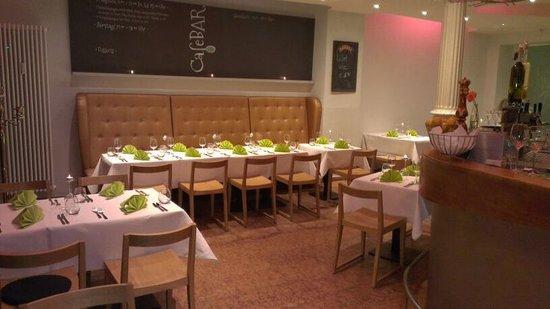 CafeBAR & Restaurant