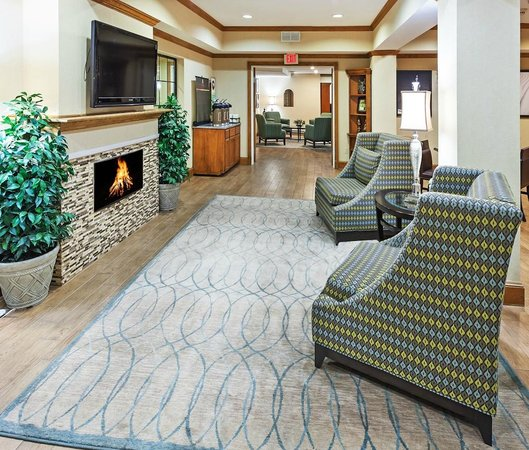 Country Inn & Suites By Carlson, Lubbock: Family Room