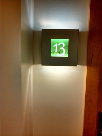 The Hotel Donaldson: Stayed in room 13. Loved it!