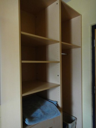 Hotel Laurier: Cabinet