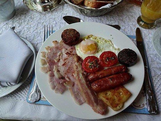 Silvertrees Bed & Breakfast: Best Irish Breakfast during our trip