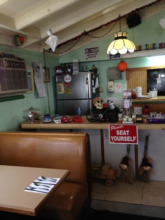 On The Way Cafe: Cozy, informal, Country Cafe
