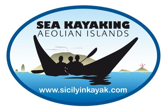 Risultati immagini per vulcano kayak