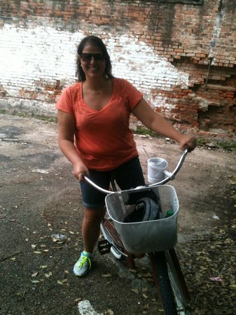 Confederacy of Cruisers Bike Tours: Dina! My hero for finding this tour!