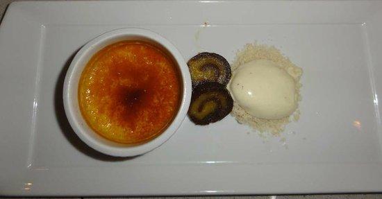 Quatrefoil : Vanilla creme brulee