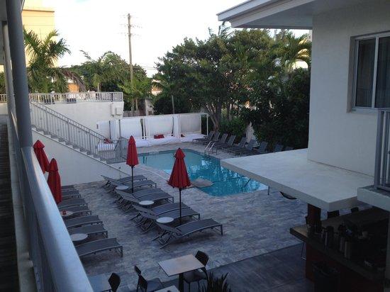 Royal Palms Resort & Spa : front pool