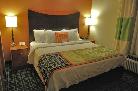 Fairfield Inn & Suites Muskogee: The sleeping area of our suite was compact but well-arranged.