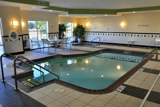 Fairfield Inn & Suites Muskogee: The heated pool was clean and comfortable; one of the best we've seen.