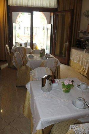 Alla Vite Dorata: The dining room