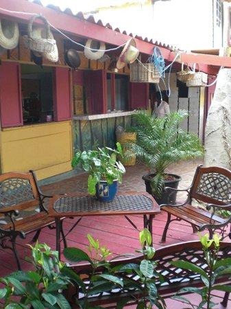 Rancho El Sobrino Curacao: Innenhof vor dem Restaurant