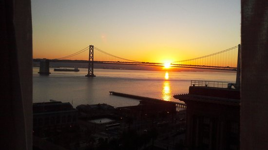 Hyatt Regency San Francisco: spectacular sun rise