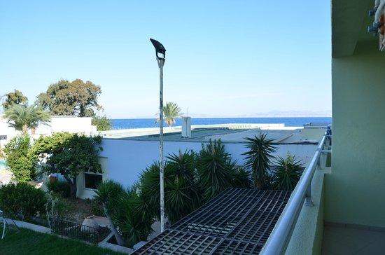 Avra Beach Resort Hotel - Bungalows: ch 119 à droite vue latérale mer