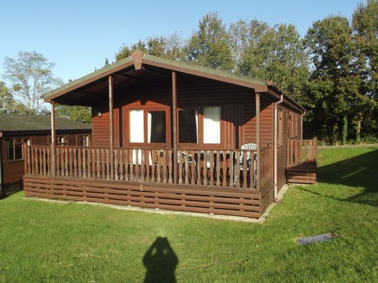 Gurnard Pines: Front of Lodge