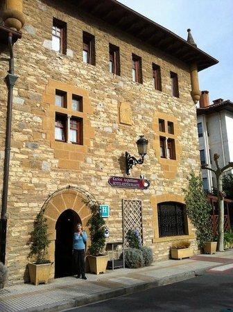 Hotel Karlos Arguinano: La façade de l'hôtel