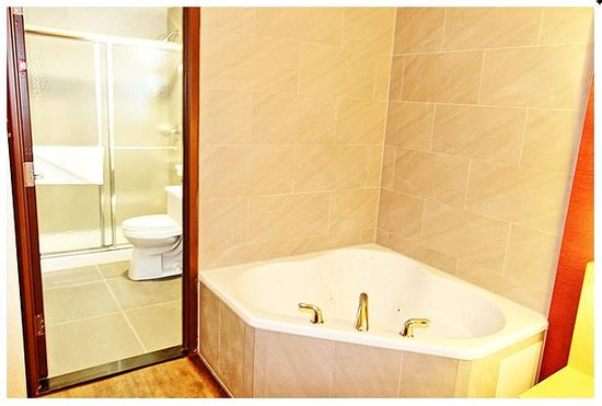 Ask About Our Specialty Jacuzzi En Suite Rooms Picture Of Hotel