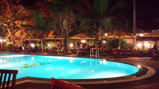 Fairview Hotel: Dinner - pool