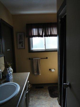 Sugarbush Guest House: Bathroom