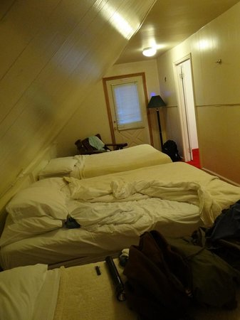Brighton Chalets: 3rd bed room w/3 beds