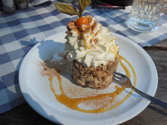 Castelbello-Ciardes (Kastelbell-Tschars), Italien: Vinschger Schneemilch