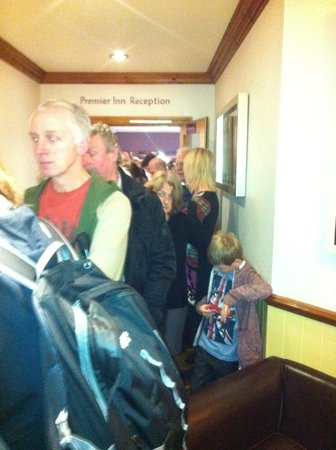 Premier Inn York City (Blossom St South) Hotel: The queue for breakfast.