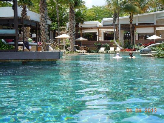 Dorado Beach, a Ritz-Carlton Reserve: Lovely infinity pool area