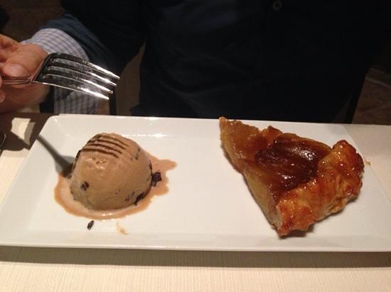 BiCE at Jumeirah at Etihad Towers: torta di mele della nonna