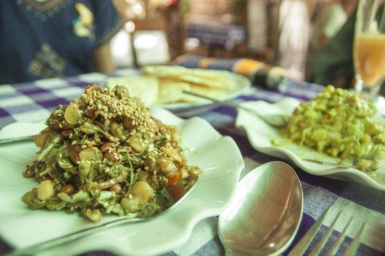 Yar Pyi Vegetarian Restaurant: Fermented Green Tea Salad and Best Guacamole ever!