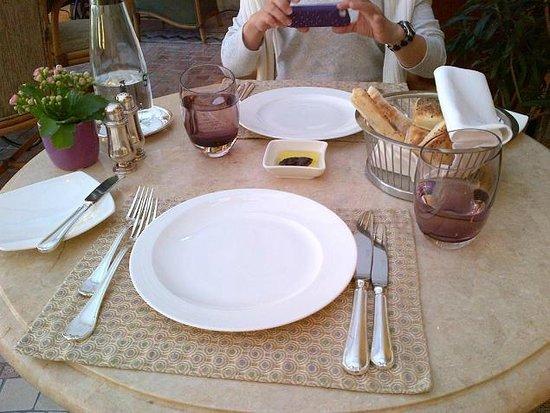 Seasons Restaurant: Set