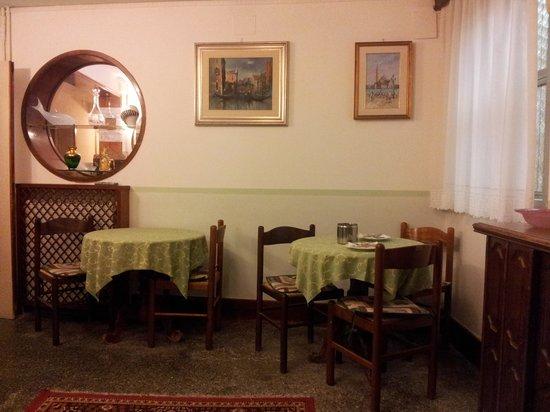 Leonardo Hotel: dining room