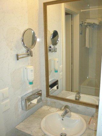 NH Rex: Bathroom facilities