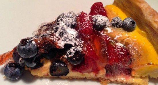 Al Posto Fisso: berry cake