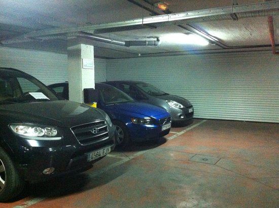 Clement Barajas Hotel: parking