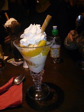 The Mount Pleasant Inn: Ammaretto ice cream dessert